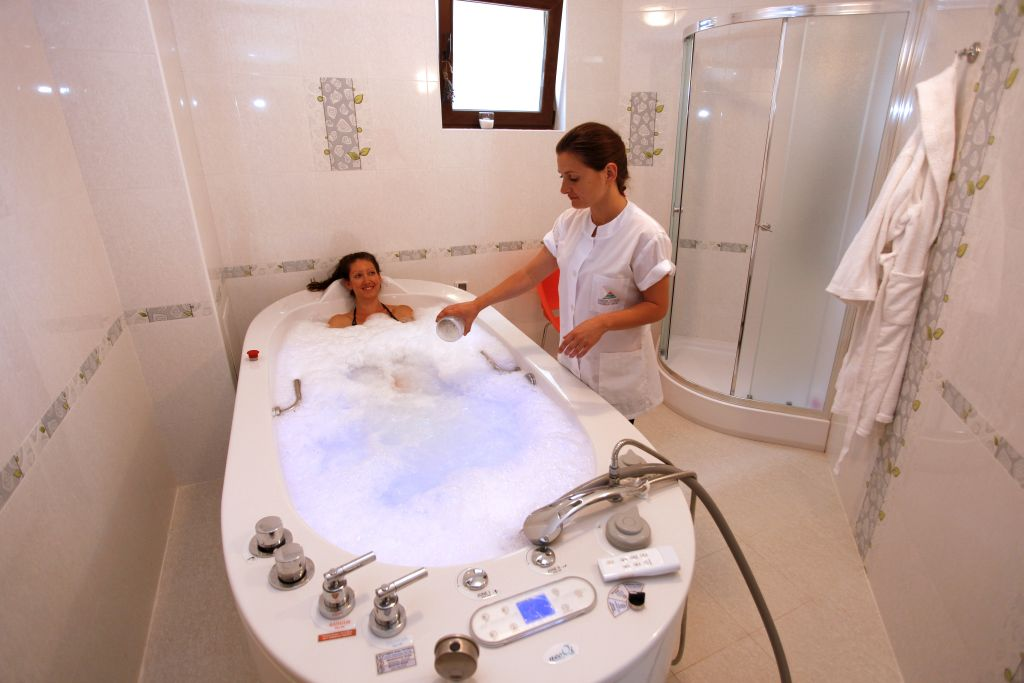 hydromassage therapies